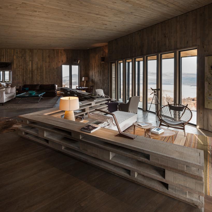 felipe-assadi-arquitectos-awasi-patagonia-chile-designboom-08