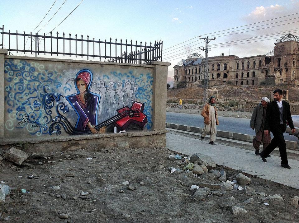 Afghanistan's First Female Street Artist - THE VANDALLIST (15)