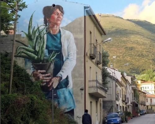 Fintan Magee, in Italy part ||