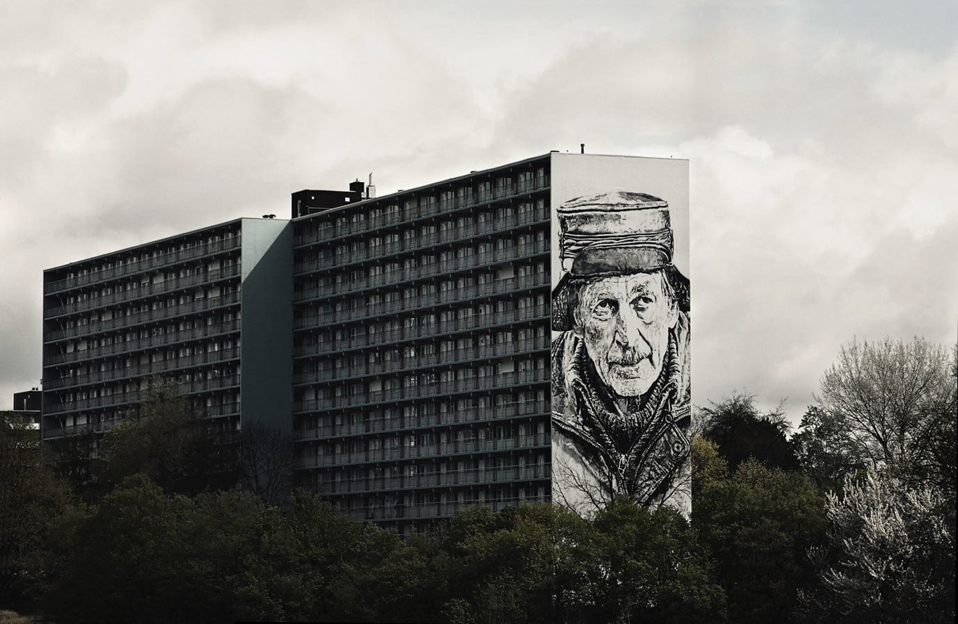 Monochromatic Mural by HENDRIK BEIKIRCH in the Netherlands - the vandallist (1)