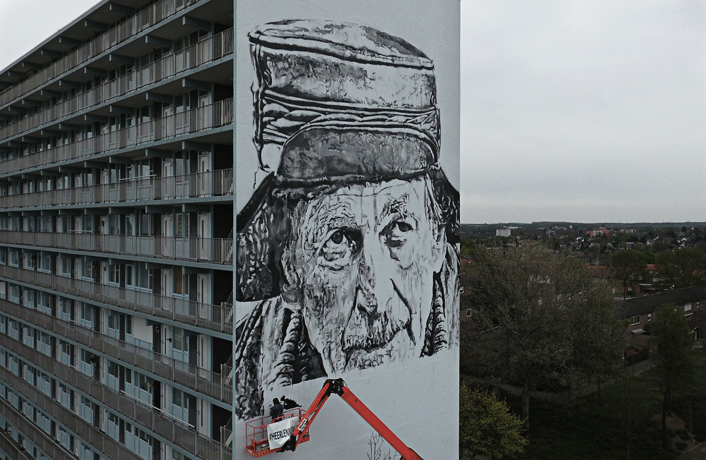 Monochromatic Mural by HENDRIK BEIKIRCH in the Netherlands - the vandallist (4)