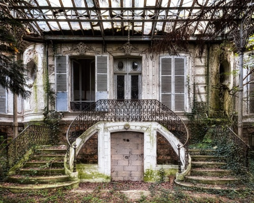 The art of exploring abandoned places – photography by JAMES KERWIN