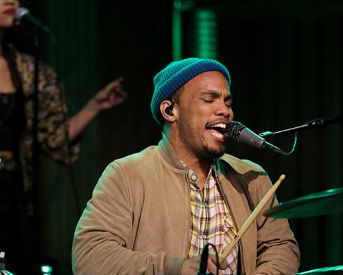 "Anderson .Paak & The Free Nationals Perform ""Come Down"" f/ T.I. Live On The Tonight Show"