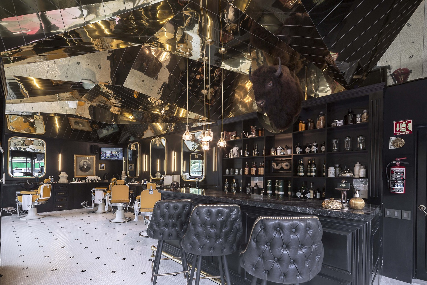 Tribute To British Barbershop By Row Studio Barberia Royal