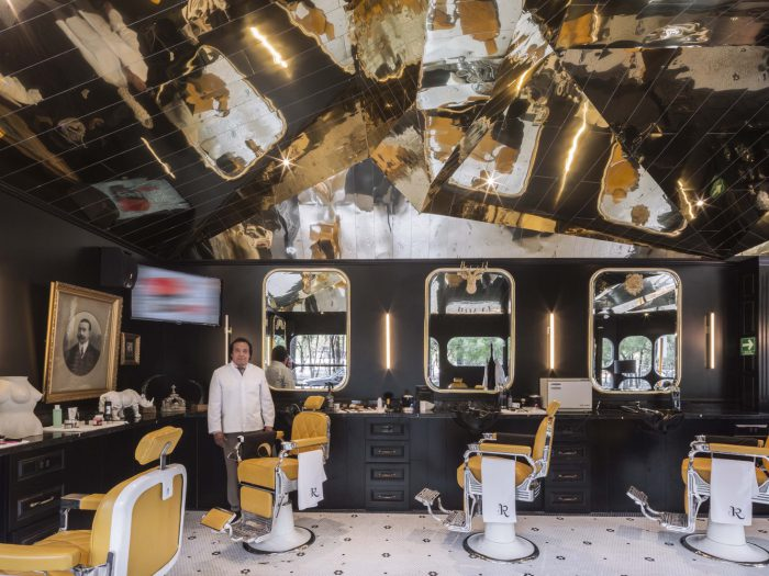 Tribute to British Barbershop by ROW Studio - BARBERIA ROYAL - the vandallist (8)