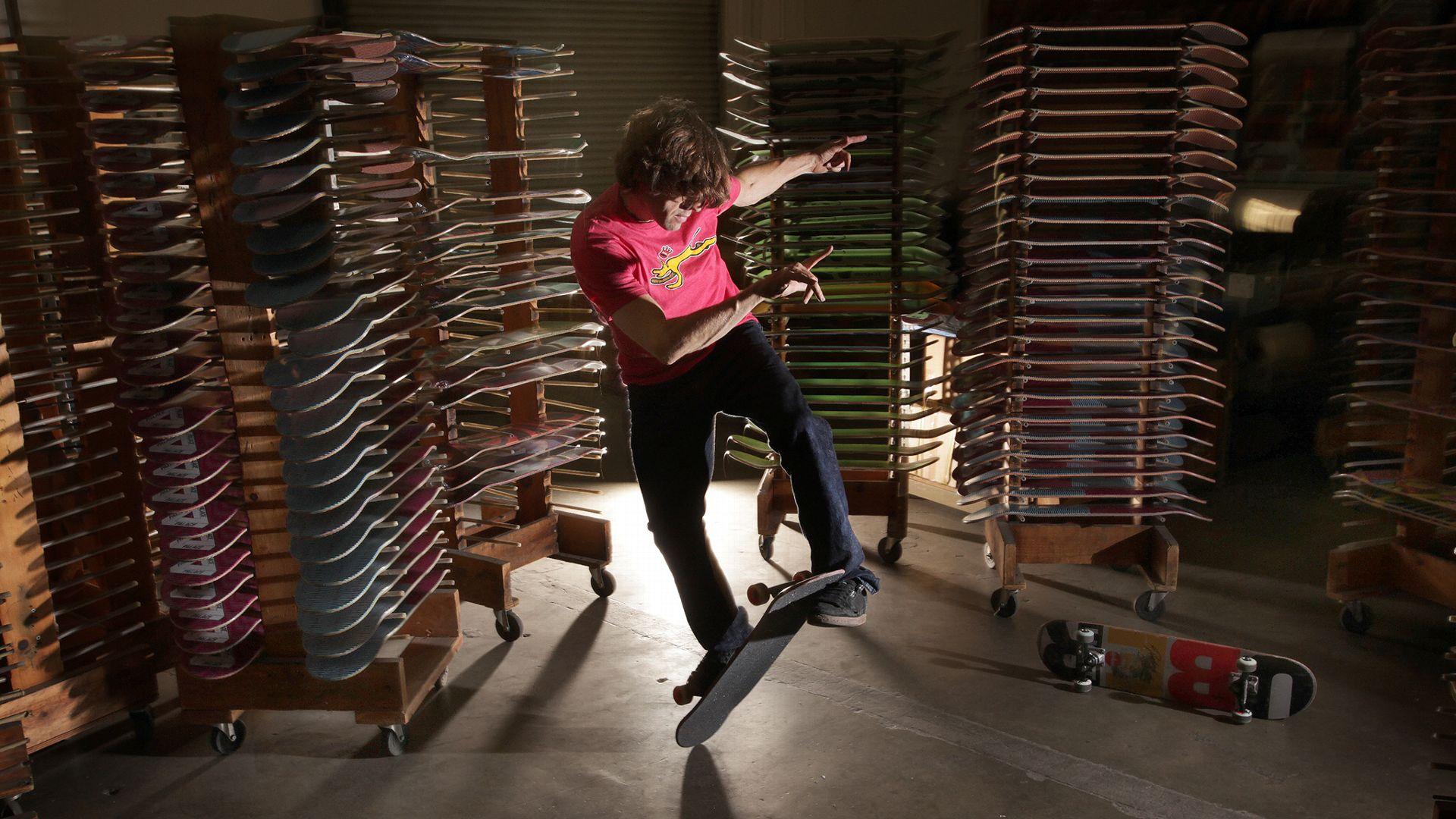 New skateboarding tricks from RODNEY MULLEN