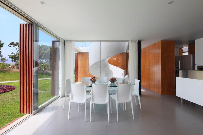 ASIA House / Jorge Marsino Prado