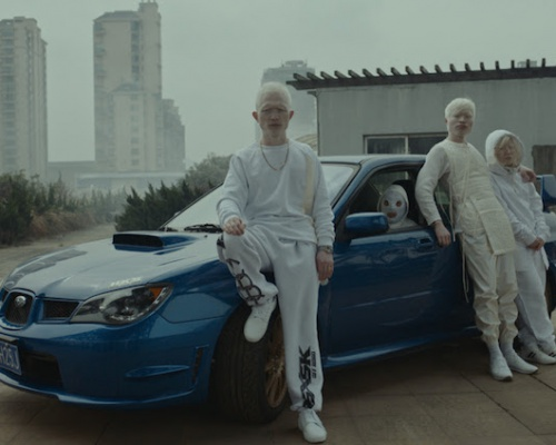 "Jamie xx ""Gosh"" Video – Directed by Romain Gavras"