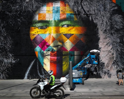 Huge Mural Unveiled in Rio by Eduardo Kobra