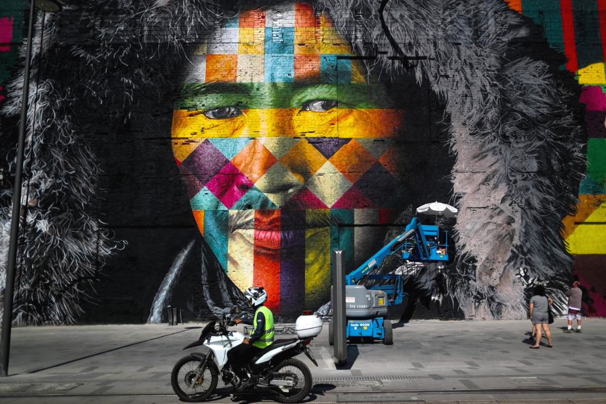 Huge Mural Unveiled in Rio by Eduardo Kobra - the vandallist (2)
