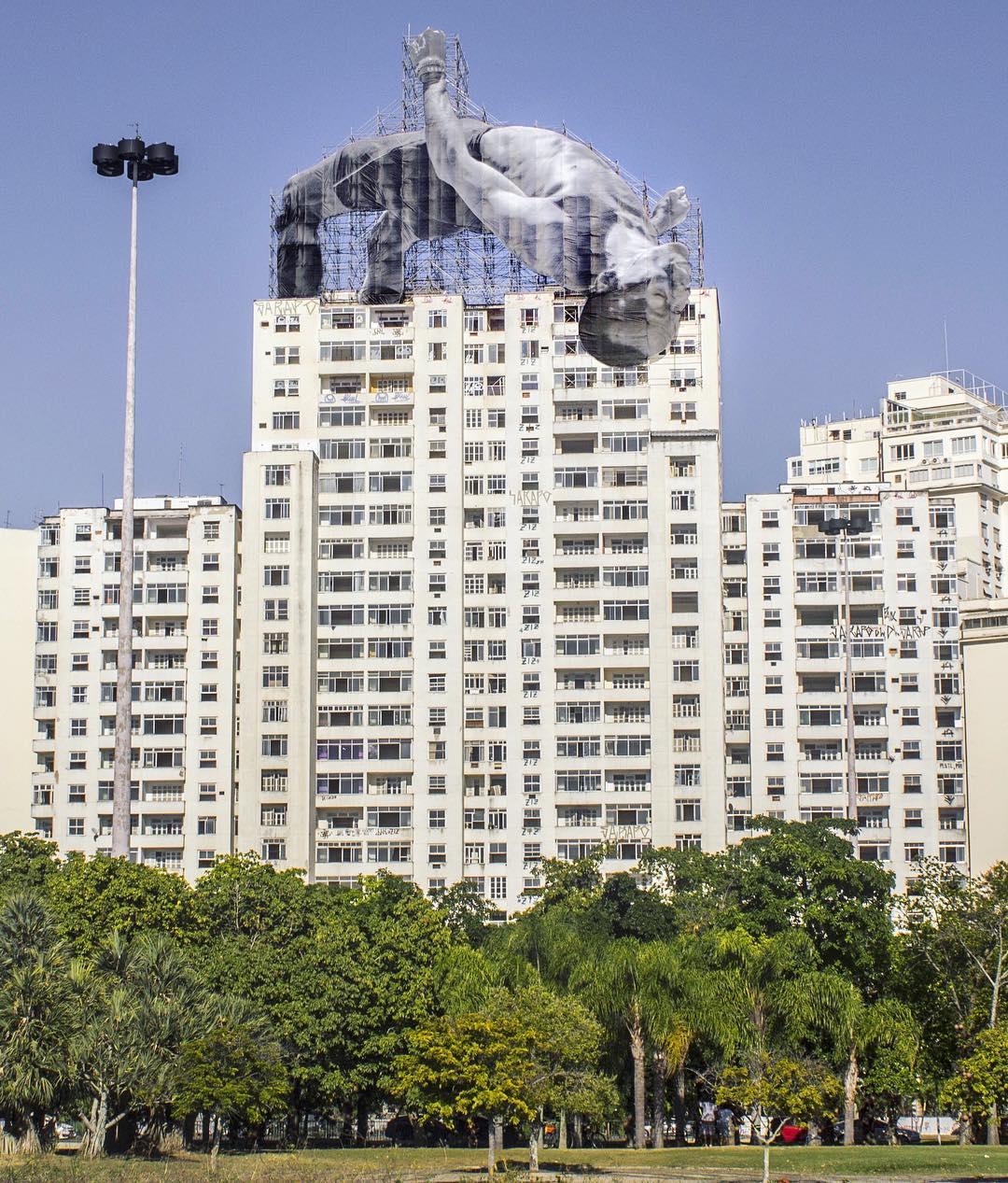 JR's giant athletes in Rio De Janeiro - the vandallist (2)