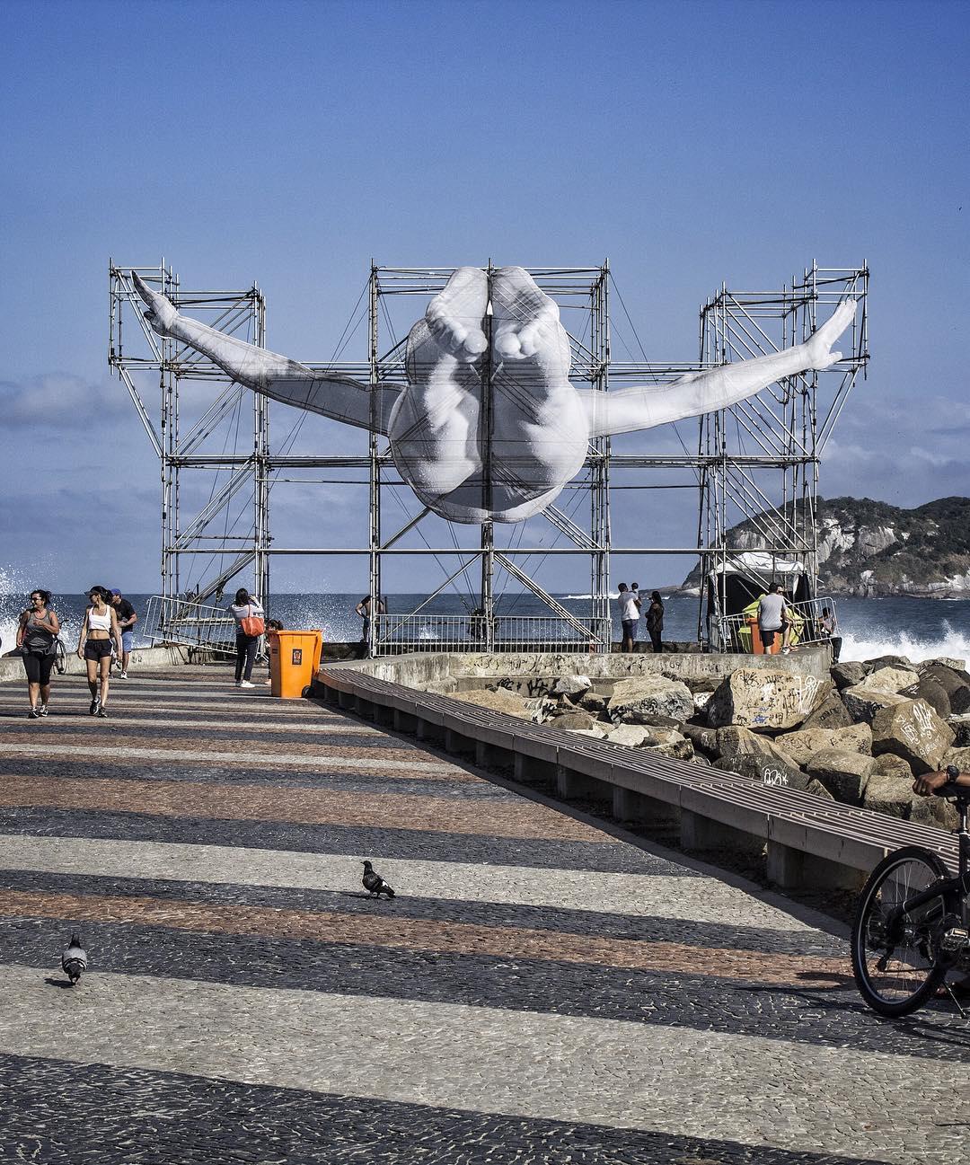 JR's giant athletes in Rio De Janeiro - the vandallist (3)
