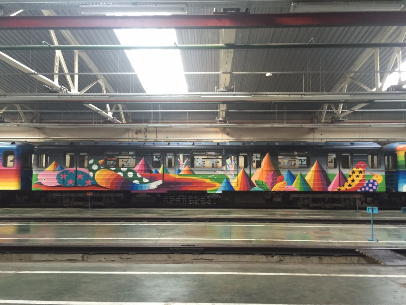 okuda-san-miguels-5-car-train-in-kiev-ukraine-thevandallist-7
