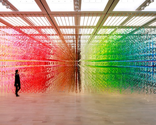 Count the rainbow numbers – installation by Emmanuelle Moureaux