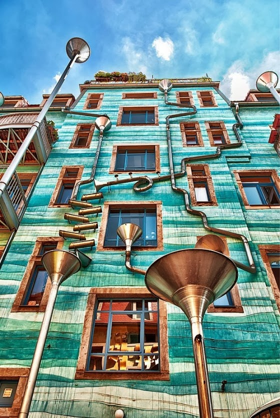 Dresden building plays music when it rains