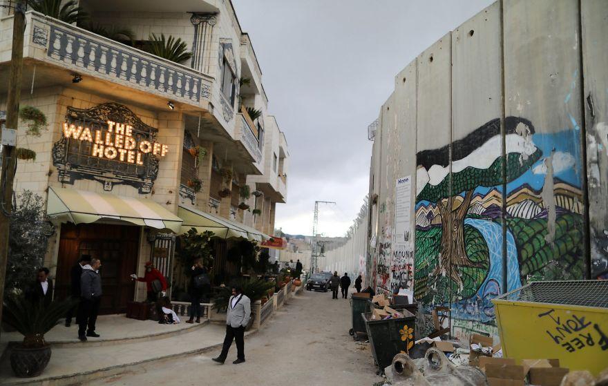 banksy-walled-off-hotel-bethlehem-palestine-1-58bd39c294c07__880