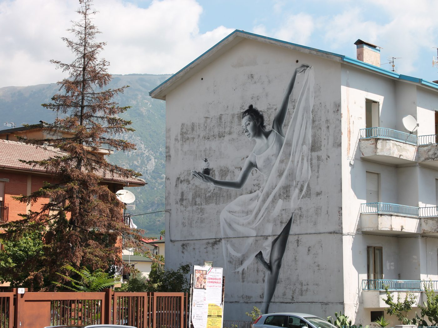 SASHA KORBAN'S MURAL FOR WALL WE TRUST INTERNATIONAL STREET ART FESTIVAL - THE VANDALLIST (6)