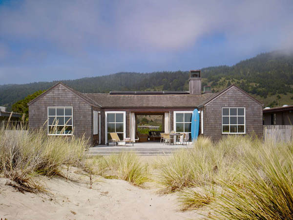 Californian-Beach-Villa-by-Scavello-Design-1