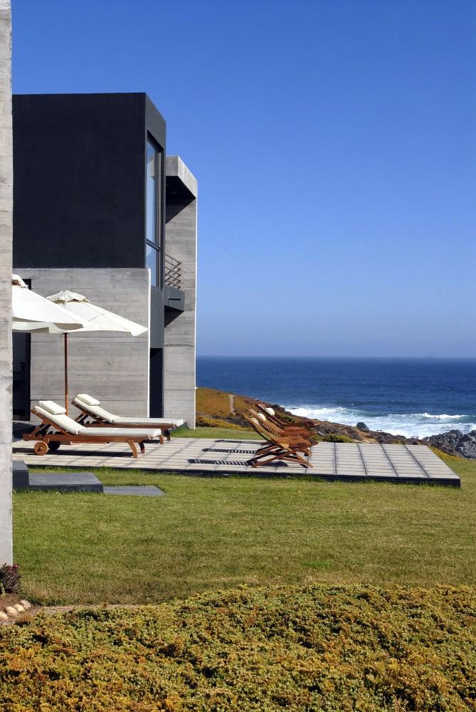50d28efdb3fc4b41b30002f8_rabanua-dx-arquitectos_350-exterior_03-669x1000