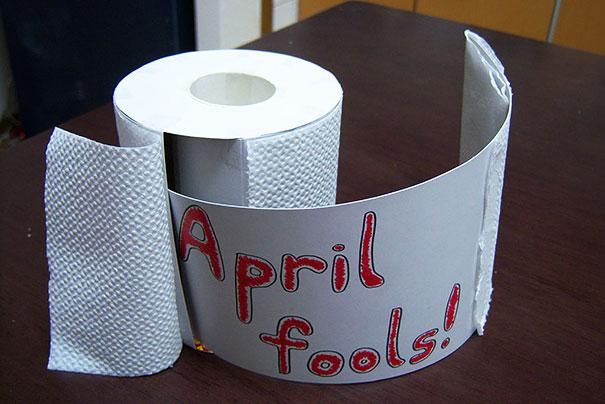 funny-aprils-fool-office-pranks-11