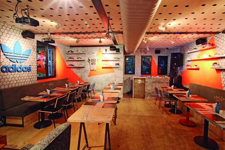 Adidas-Originals-Pop-Up-Store-by-Tavares-Duayer-Rio-de-Janeiro-Brazil-02-