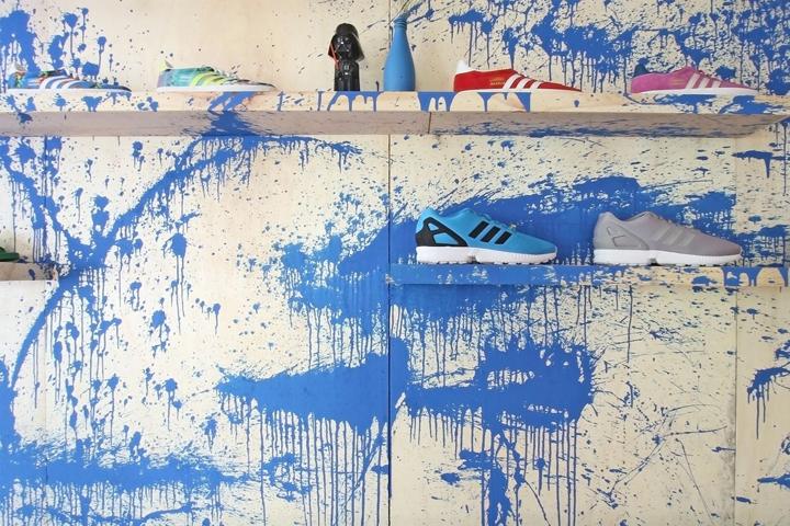 Adidas-Originals-Pop-Up-Store-by-Tavares-Duayer-Rio-de-Janeiro-Brazil-08-