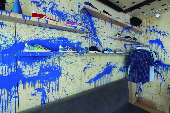Adidas-Originals-Pop-Up-Store-by-Tavares-Duayer-Rio-de-Janeiro-Brazil