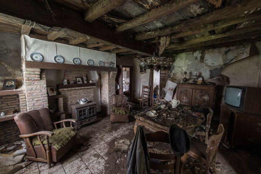 Romain Veillon - Vlist - abandoned places (8)