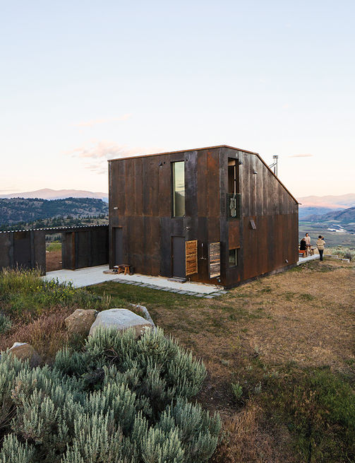 Sky house in Oroville, Washington (5)
