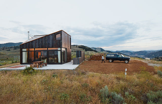 Sky house in Oroville, Washington (6)
