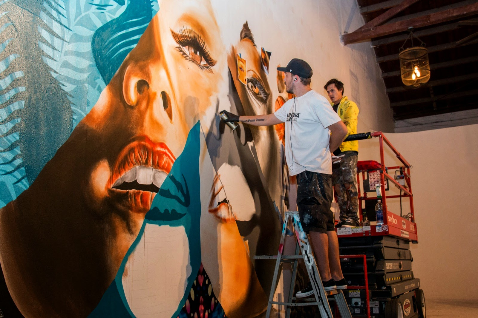 Kamea Hadar and Tristan Eaton uncover a new indoor collaboration in Los Angeles, USA (10)