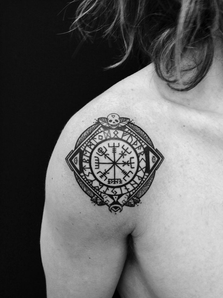 purchase cheap ff2b7 f8fe1 Caitlin Thomas, tattoo artist
