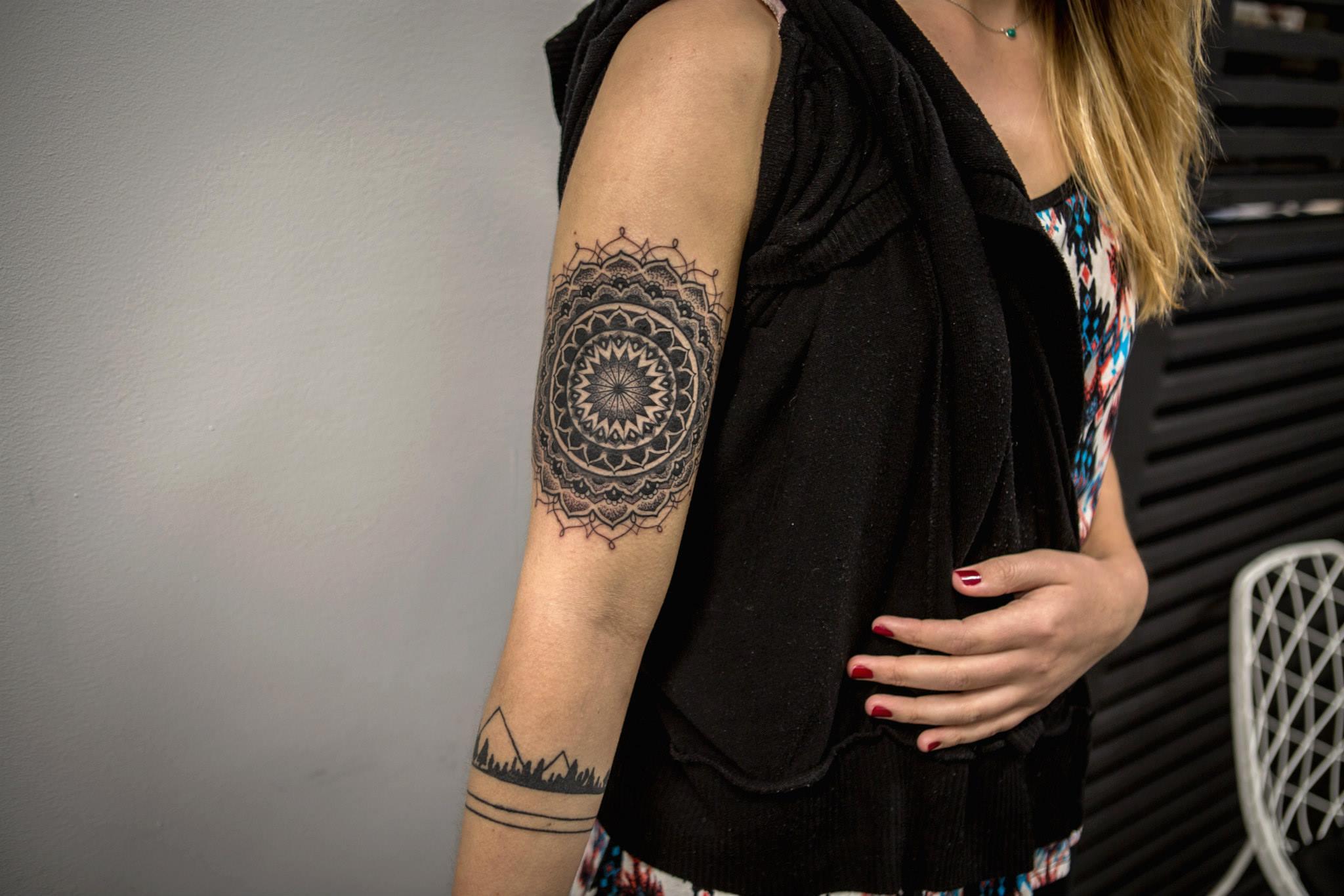 KRISTI WALLS, tattoo artist - the vandallis (12)