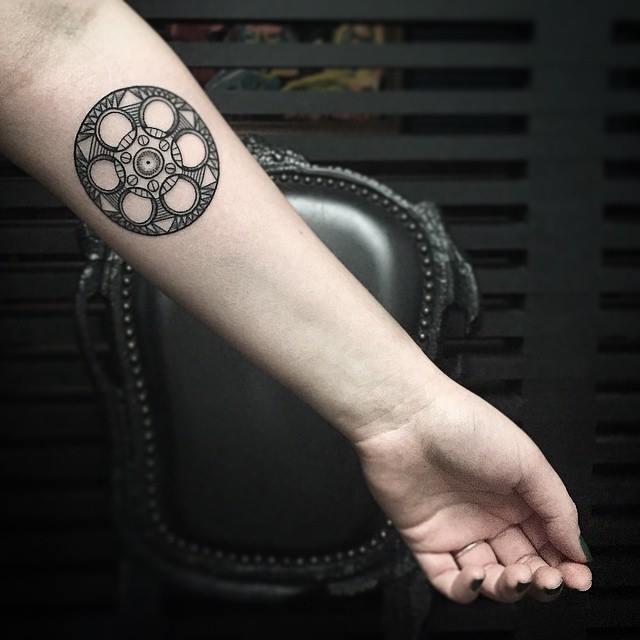 KRISTI WALLS, tattoo artist - the vandallis (17)
