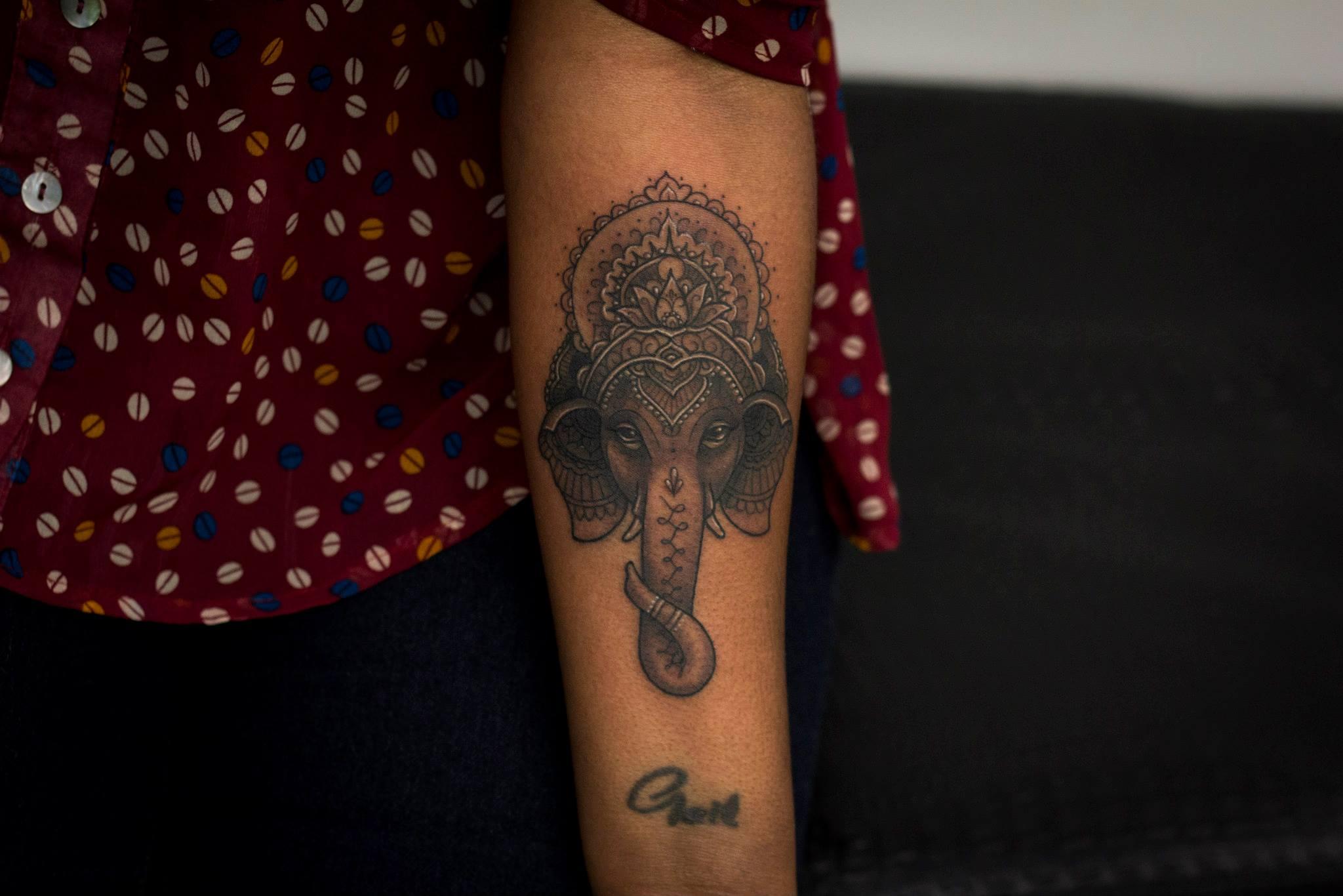 KRISTI WALLS, tattoo artist - the vandallis (5)